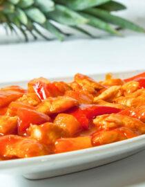 Pui cu ananas - Pui şi Raţă - Restaurantul cu specific chinezesc, KungFu King, cu livrare la domiciliu vă oferă cea mai bună mâncare chinezească din Bucureşti, fapt confirmat de clienţii noştri. Acum puteţi face comanda online şi vă puteţi, astfel, bucura de ofertele speciale oferite de restaurantul chinezesc KungFu King din Bucureşti.