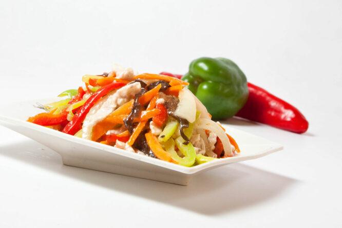Pui în 5 culori - Pui şi Raţă - Restaurantul cu specific chinezesc, KungFu King, cu livrare la domiciliu vă oferă cea mai bună mâncare chinezească din Bucureşti, fapt confirmat de clienţii noştri. Acum puteţi face comanda online şi vă puteţi, astfel, bucura de ofertele speciale oferite de restaurantul chinezesc KungFu King din Bucureşti.