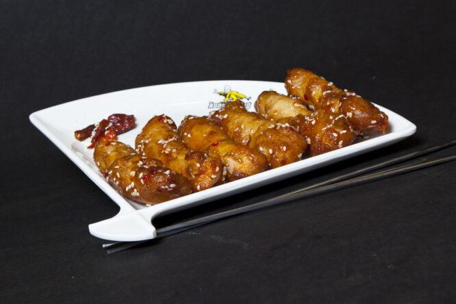 Pui KungFu - Pui şi Raţă - Restaurantul cu specific chinezesc, KungFu King, cu livrare la domiciliu vă oferă cea mai bună mâncare chinezească din Bucureşti, fapt confirmat de clienţii noştri. Acum puteţi face comanda online şi vă puteţi, astfel, bucura de ofertele speciale oferite de restaurantul chinezesc KungFu King din Bucureşti.