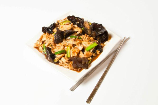 Pui Mu Shu - Pui şi Raţă - Restaurantul cu specific chinezesc, KungFu King, cu livrare la domiciliu vă oferă cea mai bună mâncare chinezească din Bucureşti, fapt confirmat de clienţii noştri. Acum puteţi face comanda online şi vă puteţi, astfel, bucura de ofertele speciale oferite de restaurantul chinezesc KungFu King din Bucureşti.