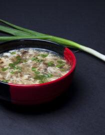 Supă de vită - Supe - Restaurantul cu specific chinezesc, KungFu King, cu livrare la domiciliu vă oferă cea mai bună mâncare chinezească din Bucureşti, fapt confirmat de clienţii noştri. Acum puteţi face comanda online şi vă puteţi, astfel, bucura de ofertele speciale oferite de restaurantul chinezesc KungFu King din Bucureşti.