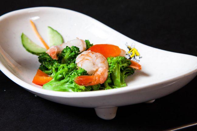 Creveţi cu broccoli - Fructe de mare - Restaurantul cu specific chinezesc, KungFu King, cu livrare la domiciliu vă oferă cea mai bună mâncare chinezească din Bucureşti, fapt confirmat de clienţii noştri. Acum puteţi face comanda online şi vă puteţi, astfel, bucura de ofertele speciale oferite de restaurantul chinezesc KungFu King din Bucureşti.