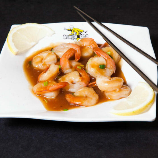Creveţi cu sos chinezesc - Fructe de mare - Restaurantul cu specific chinezesc, KungFu King, cu livrare la domiciliu vă oferă cea mai bună mâncare chinezească din Bucureşti, fapt confirmat de clienţii noştri. Acum puteţi face comanda online şi vă puteţi, astfel, bucura de ofertele speciale oferite de restaurantul chinezesc KungFu King din Bucureşti.