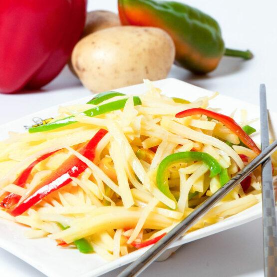 Restaurantul cu specific chinezesc, KungFu King, cu livrare la domiciliu vă oferă cea mai bună mâncare chinezească din Bucureşti, fapt confirmat de clienţii noştri. Acum puteţi face comanda online şi vă puteţi, astfel, bucura de ofertele speciale oferite de restaurantul chinezesc KungFu King din Bucureşti.