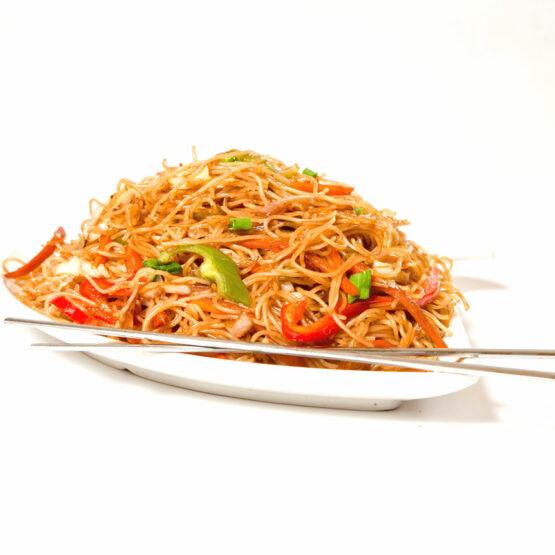 Noodles cu legume – Noodles - Restaurantul cu specific chinezesc, KungFu King, cu livrare la domiciliu vă oferă cea mai bună mâncare chinezească din Bucureşti, fapt confirmat de clienţii noştri. Acum puteţi face comanda online şi vă puteţi, astfel, bucura de ofertele speciale oferite de restaurantul chinezesc KungFu King din Bucureşti.