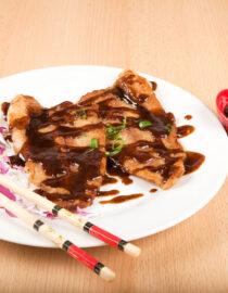 Peste cu piper chinezesc - Peşte - Restaurantul cu specific chinezesc, KungFu King, cu livrare la domiciliu vă oferă cea mai bună mâncare chinezească din Bucureşti, fapt confirmat de clienţii noştri. Acum puteţi face comanda online şi vă puteţi, astfel, bucura de ofertele speciale oferite de restaurantul chinezesc KungFu King din Bucureşti.