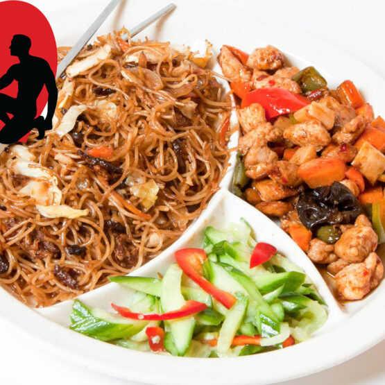 Meniul Valentine's Day este alegerea perfectă pentru o masă deliciosă, marca KungFu King, ce conţine 2 feluri principale, două garnituri, două salate şi două băuturi. Alege mâncare chinezească de calitate, marca KungFu King. Acum puteţi face comanda online şi vă puteţi, astfel, bucura de ofertele speciale oferite de restaurantul chinezesc KungFu King din Bucureşti.